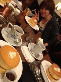 ホットケーキ&まりえ.png